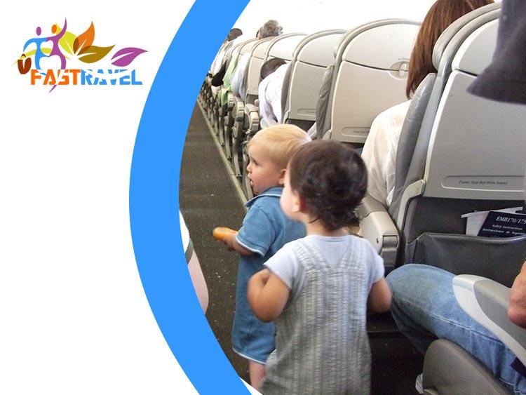 bayi naik pesawat